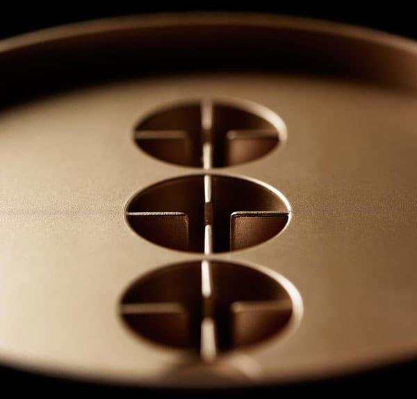 luftreiniger lightair ionflow signature gold nahaufnahme
